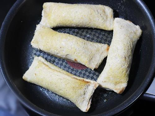 pan frying bread roll