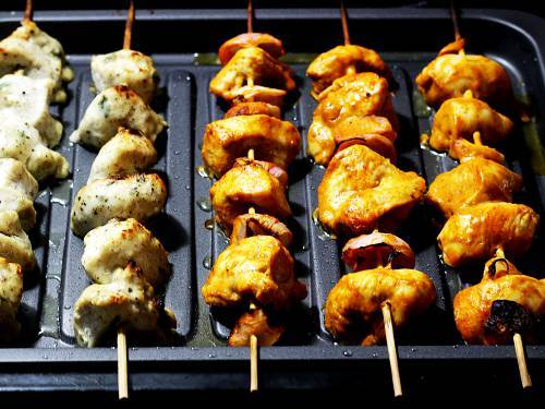 grilling chicken kabab in oven