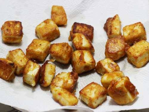 remove paneer fro oil for chilli paneer