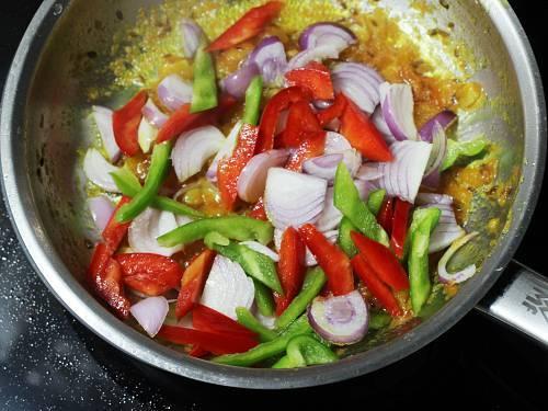 chopped veggies for mushroom pepper fry