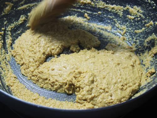 roasting besan in ghee