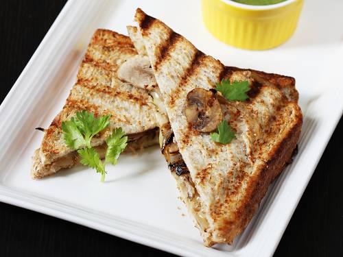 grilled mushroom sandwich