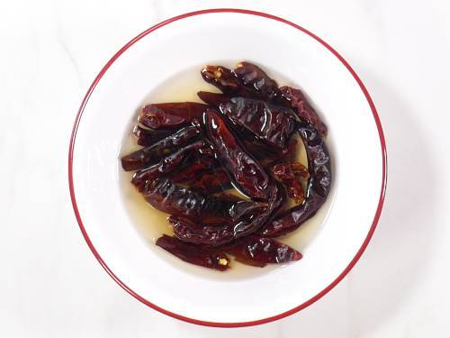 soaked red chilies in vinegar