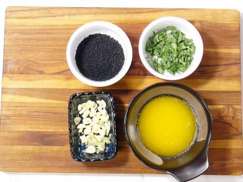 melted butter garlic and kalonji
