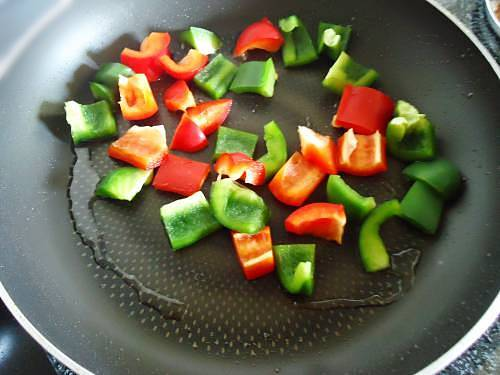 frying capsicum for paneer biryani