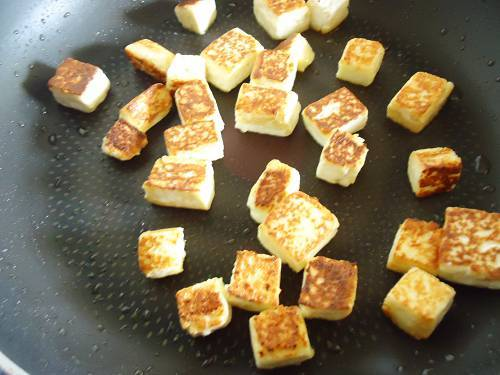 frying paneer for garnishing