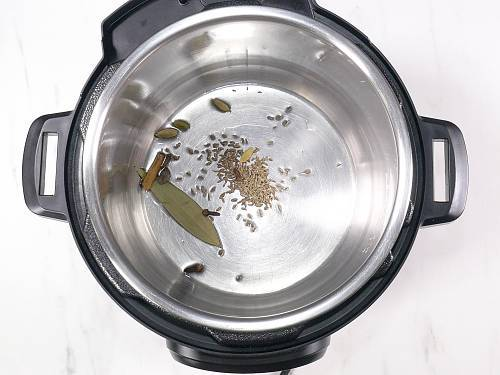 Sauteing spices in instant pot