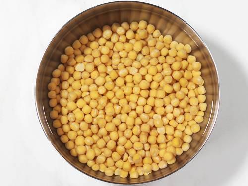 soaked white peas to make ragda