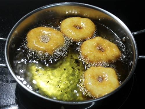 frying dumplings in hot oil