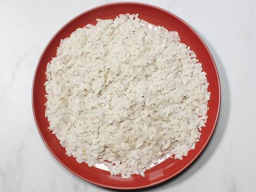poha ready to make in a plate