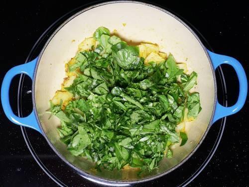 add chopped methi leaves