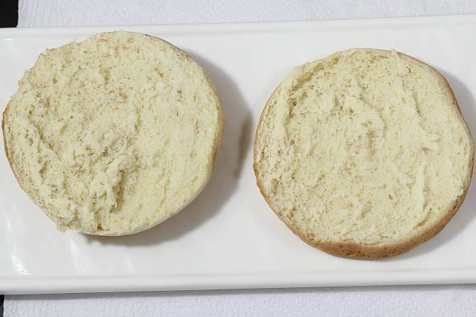 toasting burger buns