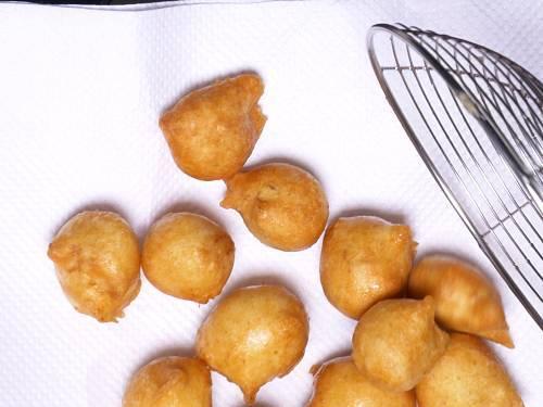 fried badas for dahi vada
