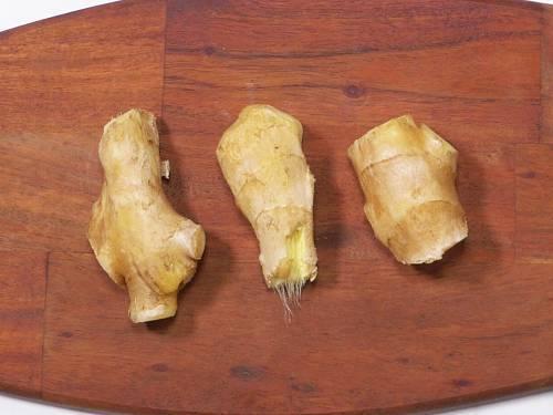 clean fresh ginger to make shot