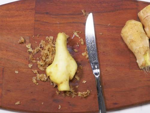 peel ginger to make shot