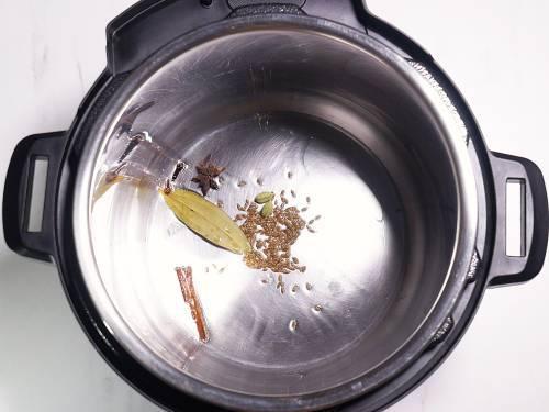 temper spices in instant pot