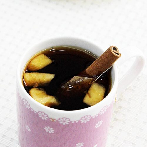apple tea with cinnamon