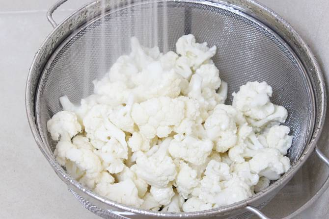 rinsing cauliflower