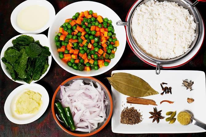 preparing ingredients for pulao