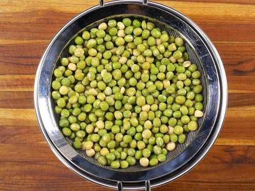 soaked green peas