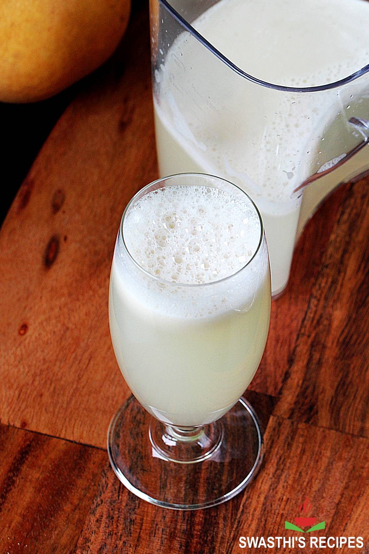Asian pear juice made in slow juicer