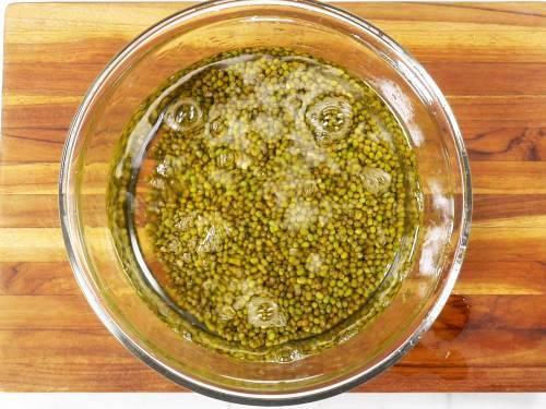rinse green gram in water