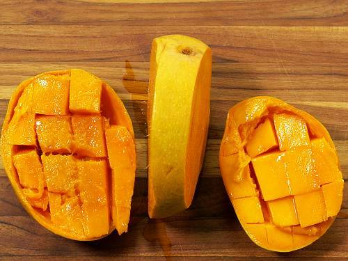 scoop out the mango pulp for smoothie