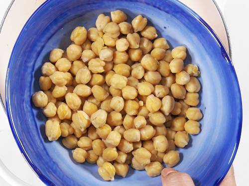 cooked chana for saag
