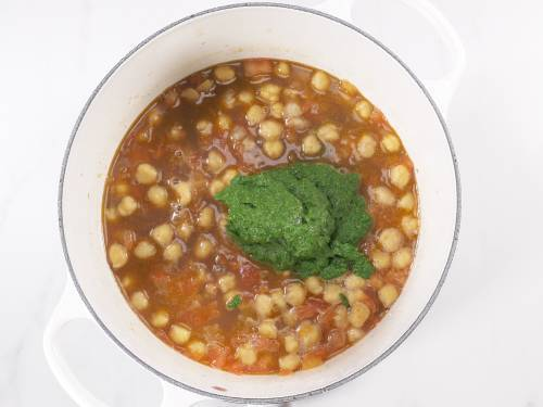add pureed saag with cooked chana