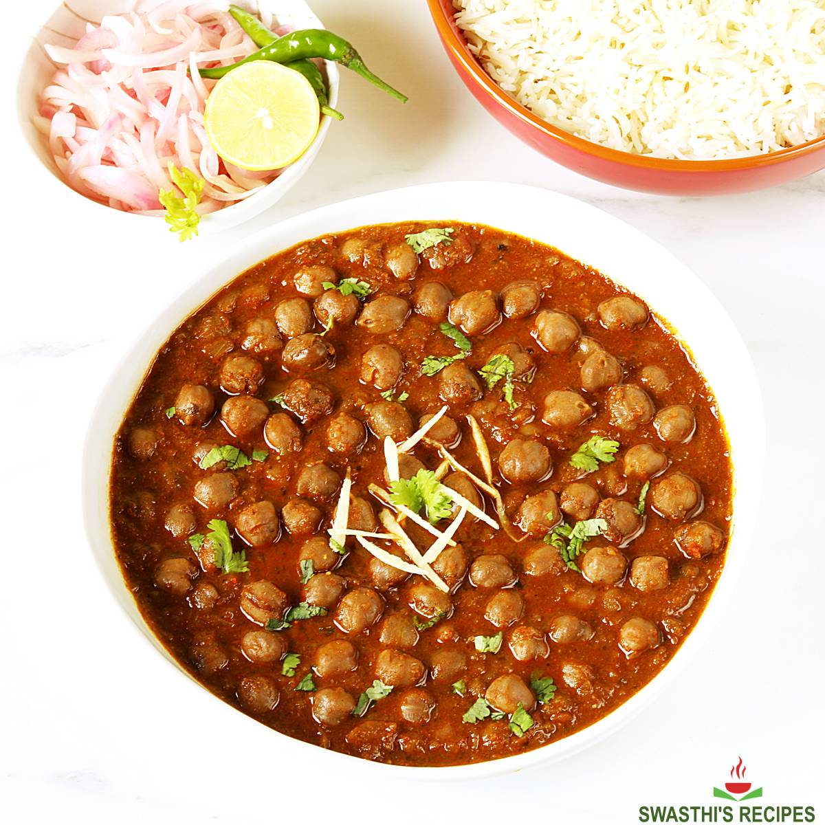 chole recipe made with chickpeas, spices and herbs