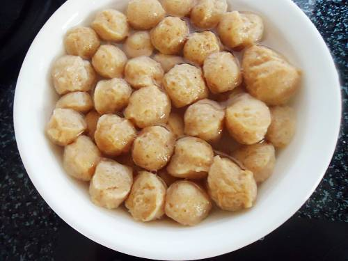 soaked soya chunks in water