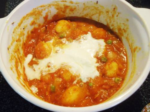 potatoes with yogurt in a pot