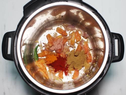 spice powders to make kadala curry