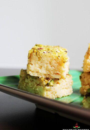 kalakand recipe made with paneer and milk