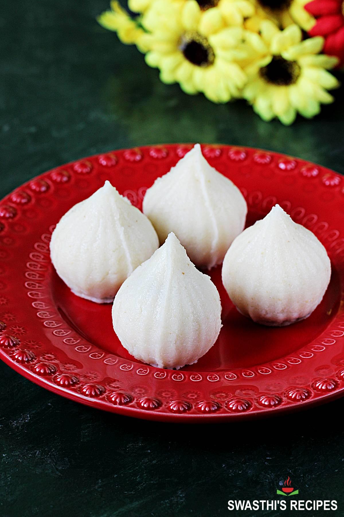 rava modak recipe made with semolina, coconut and jaggery